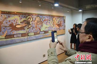 40余幅中国龟兹壁画亮相韩国 讲述古丝绸之路(图)