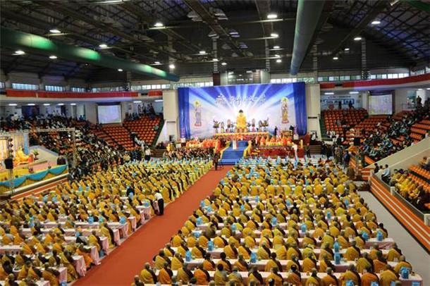 2018药师佛文化节在新北市举行 千僧八关斋戒共祈福(图)
