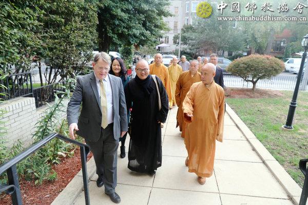 中国佛教代表团访问美国基督教组织 开展友好交流对话(图)