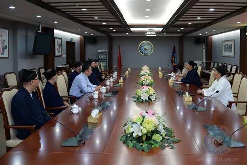 美国清云道院代表团一行拜访中国道教协会(图)