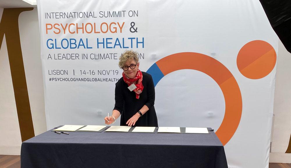 加拿大心理学协会CEO凯伦·科恩参加第一届国际心理学与全球健康峰会(图)