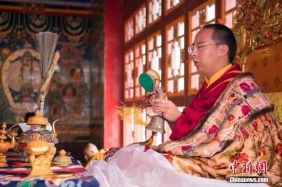 中国佛教协会副会长班禅额尔德尼·确吉杰布:民主改革也是藏传佛教发展进步的重要转折(图)