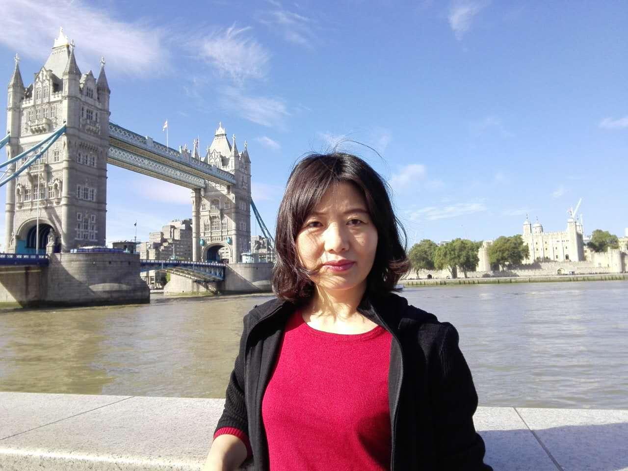 内蒙古大学哲学学院硕士生导师包红梅副教授(图)