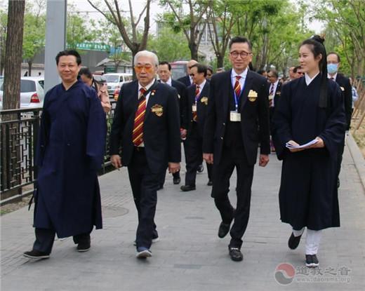 香港黄大仙祠参访团参访朝圣北京火神庙(图)