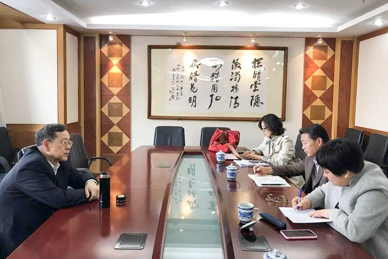 上海市民族宗教局副局长走访宗教领域专家学者(图)
