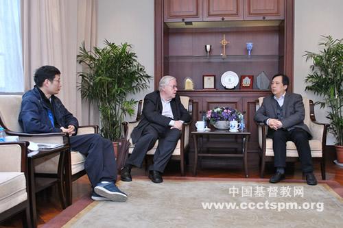 中国基督教三自爱国运动委员会主席徐晓鸿牧师会见魏克利牧师(图)