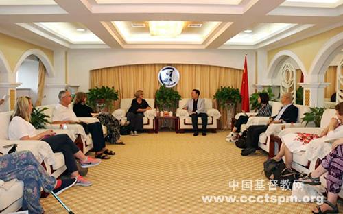 陕西省基督教两会接待英国和爱尔兰联合会访问团(图)