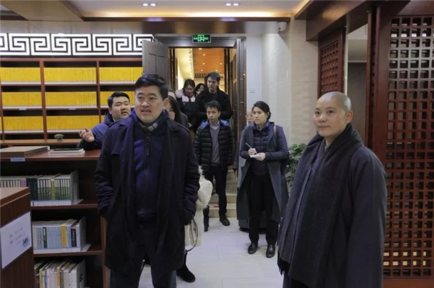 泰国驻华大使一行前往南京鸡鸣寺考察(图)