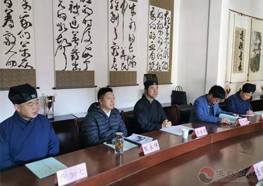 云南省道教协会龙泉观组织学习《宗教团体管理办法》(图)