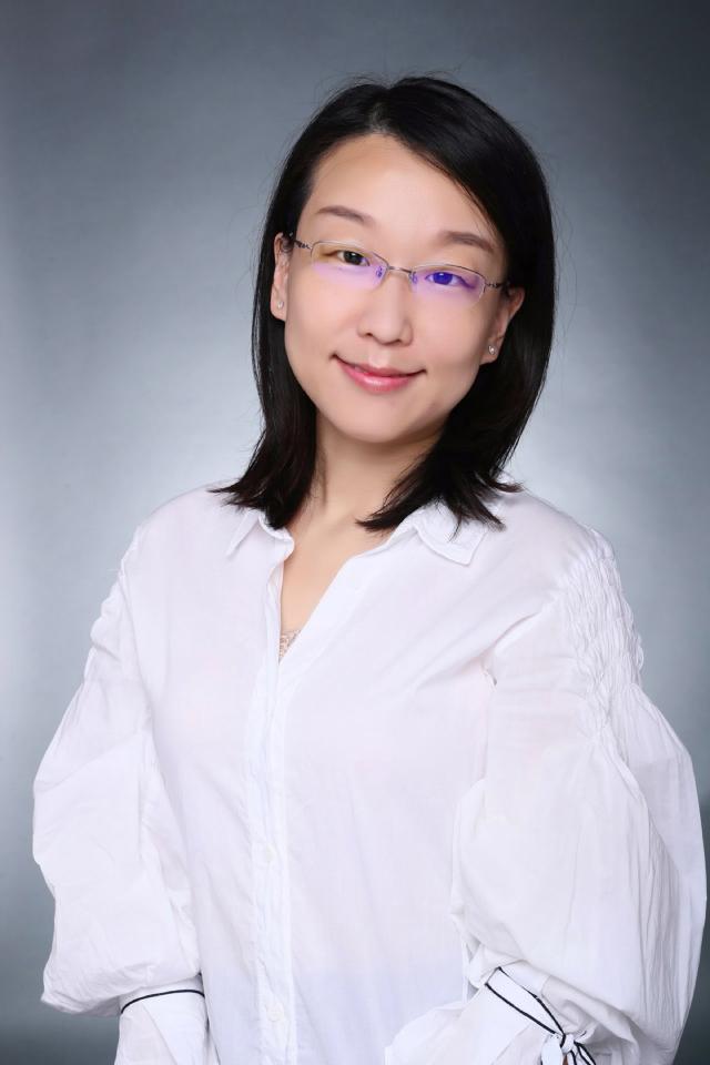上海财经大学人文学院程晓副教授(图)